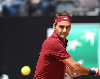 ROME, ITALY - MAY 12: Roger Federer of Switzerland in action against Dominic Thiem (not seen) of Austria during the men's single match at BNP Paribas Roma Cup Tennis tournament at Foro Italico in Rome, Italy on May 12, 2016. Claudio Pasquazi / Anadolu Agency  RZYM TENIS FOT. ABACA/NEWSPIX.PL  POLAND ONLY !!! --- Newspix.pl *** Local Caption *** www.newspix.pl  mail us: info@newspix.pl call us: 0048 022 23 22 222 --- Polish Picture Agency by Ringier Axel Springer Poland