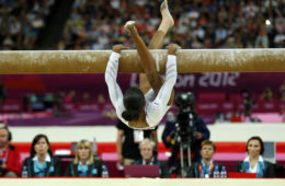 Gabby Douglas falls off the balance beam and lands in 7th place in the finals at North Greenwich Arena during the 2012 Summer Olympic Games in London, UK, Tuesday, August 7, 2012. Photo by Brian Peterson/Minneapolis Star Tribune/MCT/ABACAPRESS.COM  # 330401_001  OLIMPIADA IGRZYSKA OLIMPIJSKIE LONDYN 2012 FOT. ABACA/NEWSPIX.PL  POLAND ONLY !!! --- Newspix.pl *** Local Caption *** www.newspix.pl  mail us: info@newspix.pl call us: 0048 022 23 22 222 --- Polish Picture Agency by Ringier Axel Springer Poland