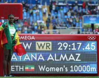 RIO DE JANEIRO, Aug. 12, 2016  Almaz Ayana (L) of Ethiopia poses next to a board displaying her new world record after the women's 10000m at the 2016 Rio Olympic Games in Rio de Janeiro, Brazil, on Aug. 12, 2016. Almaz Ayana set a new world record and won the gold medal with a time of 29 minutes and 17.45 seconds. (Credit Image: © Li Ming/Xinhua via ZUMA Wire)  BRAZYLIA RIO 2016 OLIMPIADA IGRZYSKA OLIMPIJSKIE REKORD SWIATA 10000 M KOBIET FOT. ZUMA/NEWSPIX.PL  POLAND ONLY !!! --- Newspix.pl *** Local Caption *** www.newspix.pl  mail us: info@newspix.pl call us: 0048 022 23 22 222 --- Polish Picture Agency by Ringier Axel Springer Poland