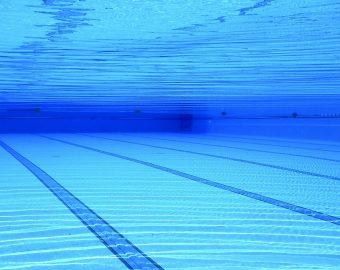 swimming-pool-504780_1920